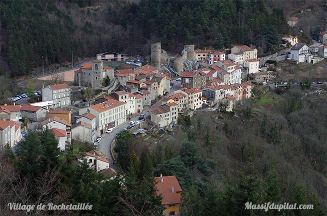 Vue sur le village de Rochetaillée depuis la Madone