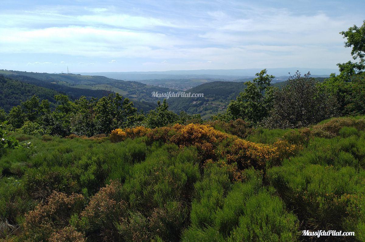 Randonnée pédestre à Rochetaillée par Charteloup, Roche Corbière et le Gouffre d'Enfer
