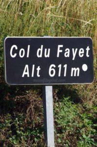 Panneau du Col du Fayet à 611 mètres d'altitude