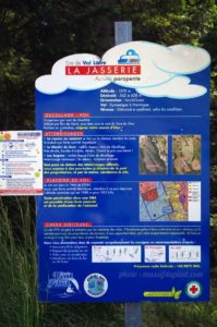 Consignes aux parapentistes sur la zone de décollage et atterrissage de parapente de la Jasserie