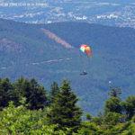 Parapente au sommet du Pilat près du Crêt de la Perdrix