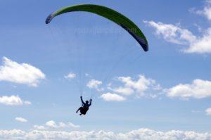 Vol en parapente au dessus du Pilat