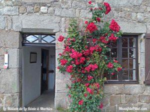 Entrée de la maison de la Béate à Marlhes dans le Massif du Pilat