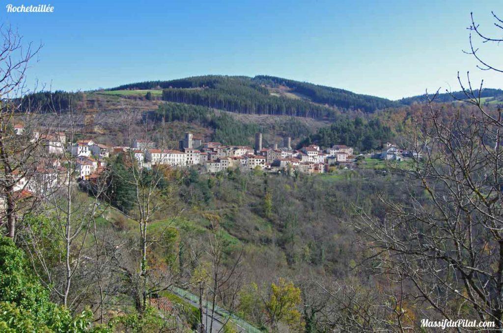 Village de Rochetaillée aux portes du Pilat près de Saint-Etienne dans la Loire (42)