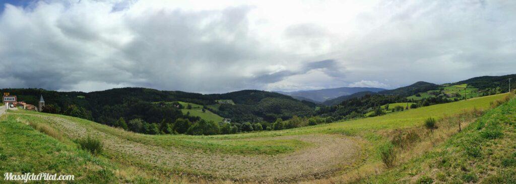 Panorama depuis le village de Graix dans le Pilat
